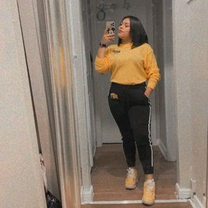 Just today ♥️Final sale PINK yellow/black set